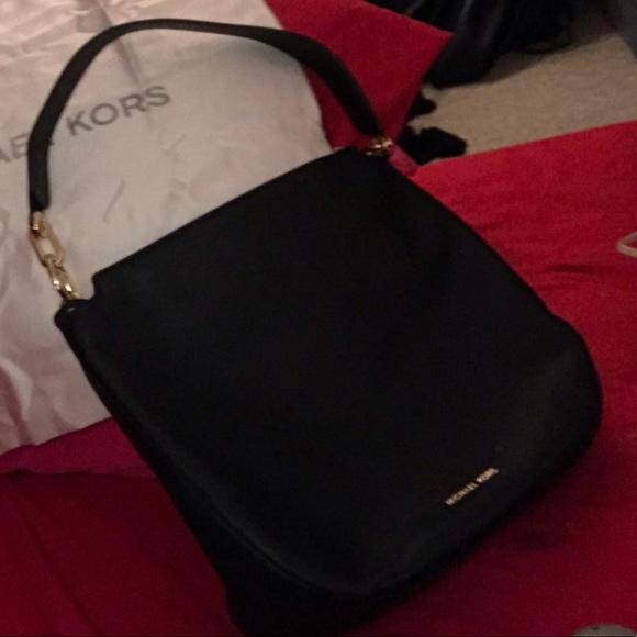Michael Kors Handbags - Michael Kors Lg Blk Leather Fulton Hobo bag. BNWT